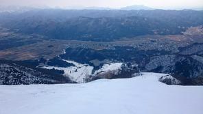 アルプス平ゲレンデから山麓方面を望む