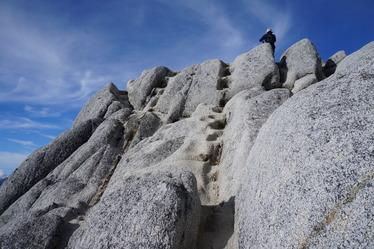 燕岳の山頂直下