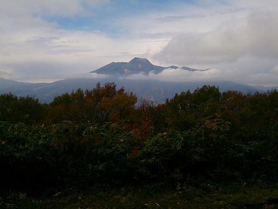 袴岳から望む妙高山
