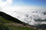 雲海を見おろしながら
