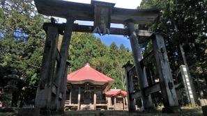 立派な伊折虫倉神社