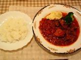 メインディッシュ 牛肉のトマト煮込み