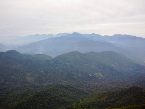 雨飾山山頂から望む北アルプス