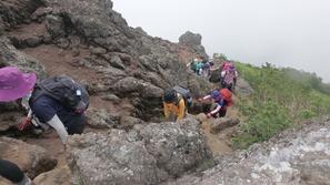 妙高山南峰への最後の登り