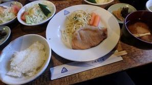 北穂高小屋の夕食