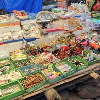 多種多様な雑貨が売られていました