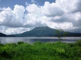 夏雲をバックに燧ケ岳と尾瀬沼