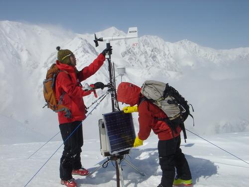 気象観測装置の点検