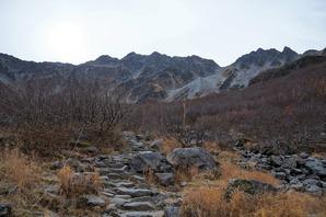 奥穂高と涸沢岳が見えてきました
