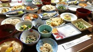 両神山荘さんのボリュームある夕食♪