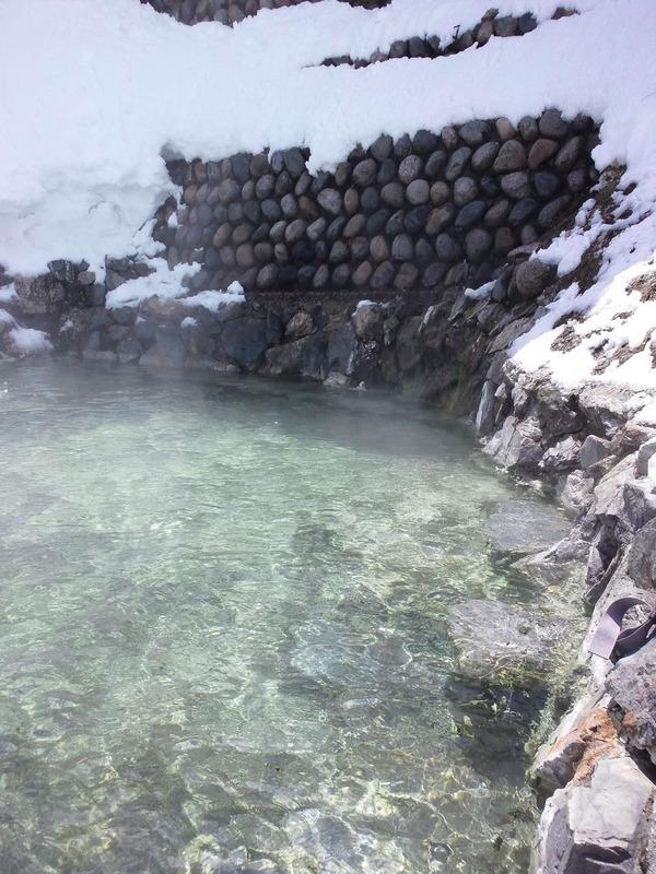 雪の中の白馬鑓温泉