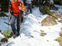 赤岳鉱泉へ向かう途中は少し残雪ありました