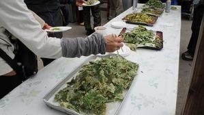トレッキング終了後は猿倉で恒例の山菜の振舞♪