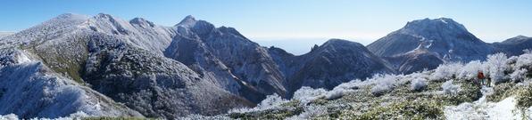 雪化粧の那須連山