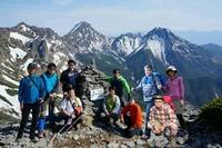 硫黄岳山頂から赤岳方面をバックに♪(※写真はイメージです)