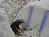 雪の断層を観察