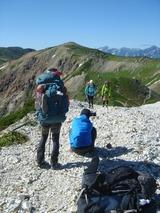 白馬鑓ヶ岳の稜線で撮影タイム