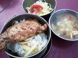 1日目の夕飯: 豚肉の塩麹漬け♪