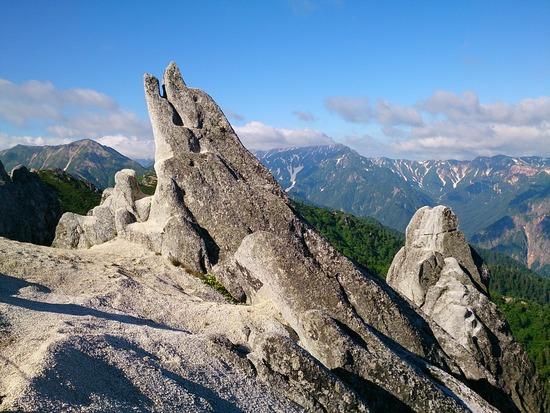 イルカ岩と槍ヶ岳(の頭)