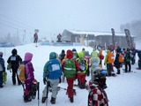 雪降りの開会式