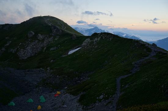 稜線から見た夕景と丸山