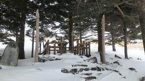 旧御射山(もとみさやま)神社