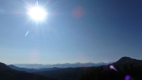 大望峠から北アルプスを望む