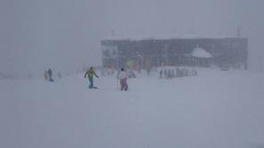 八方尾根スキー場のうさぎ平は雪でした