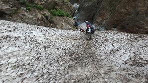 黒部別山谷の雪渓はかなり固めでした