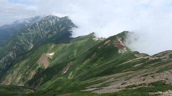 五竜の稜線から見た唐松岳