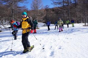 スノーシューなら雪原をひろびろ歩けます♪
