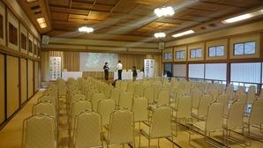 準備中のフォーラム会場