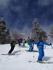 スキー中に青空も出てきました