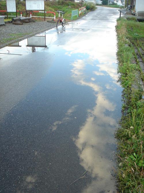 雨上がりの道路♪