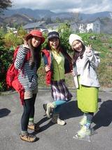 モデルのなっちゃん(左)、さとみちゃん(中央)、るみちゃん(右)