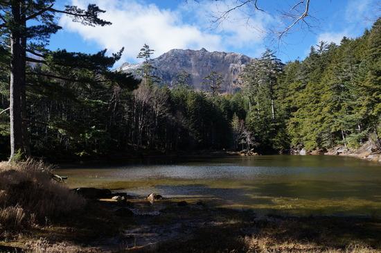 みどり池と東天狗岳