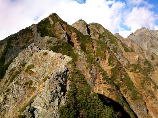 西穂高岳へ向かう稜線