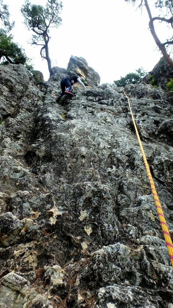 物見岩をトップロープで登る