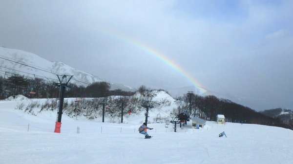 虹を見ながら滑走!