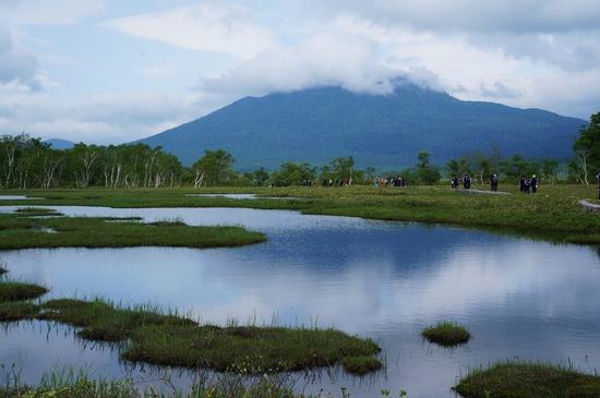 燧ケ岳と池塘