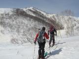 五竜スキー場から村尾根をめざす