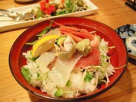 小田原「菜こんたん」さんの海鮮サラダ丼♪