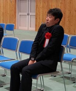 緊張するフリをする三戸呂拓也氏