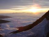 雲海の上の陽光