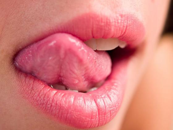 licking_lips