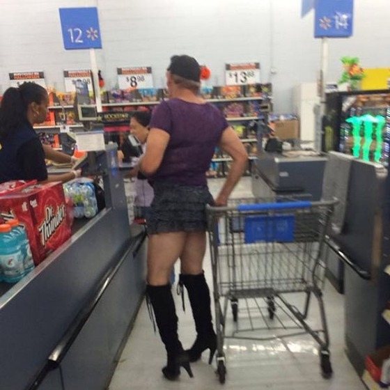 the_people_of_walmart_are_a_kind_of_their_own_640_26