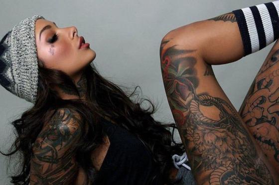 hot_and_hardcore_tattooed_girls_640_19
