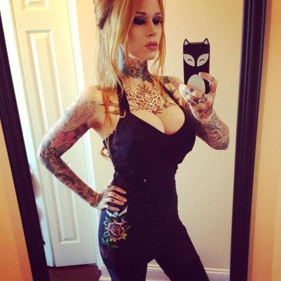 hot_and_hardcore_tattooed_girls_640_31