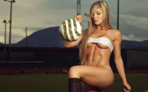 fit_girls_that_are_almost_too_hot_to_handle_640_03