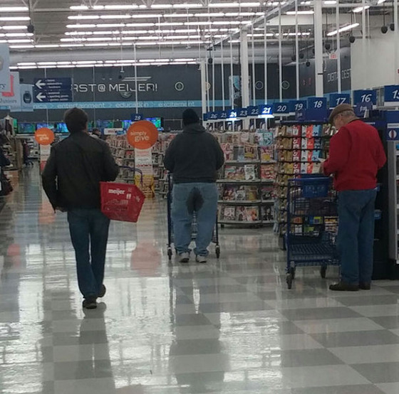 the_people_of_walmart_are_a_kind_of_their_own_640_41